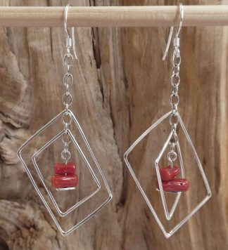 Boucles d'oreille Argent 925, en fil en forme de rectangle sur pointe et Corail rouge rectangle