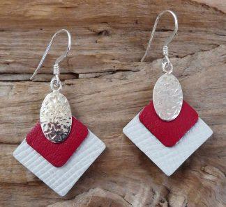 Boucles d'oreille Argent 925, forme ovale, martelé mêlé et Cuir blanc et rouge- Spécial Doudou