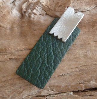 Pendentif Argent 925 rectangle fini en dents et Cuir vert foncé, forme rectangle