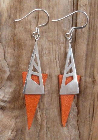 Boucles d'oreille en argent découpé, triangle et cuir orange triangle inversé