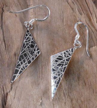 Boucles d'oreille Argent 925, forme triangle, martelé lignes