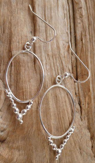 Boucles d'oreille en fil Argent 925 forme ovale et perles d'argent