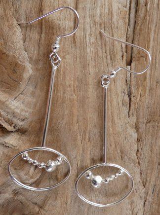 Boucles d'oreille en fil d'Argent 925 forme ovale retournée et perles d'argent