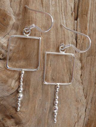 Boucles d'oreille en fil d'Argent 925 forme carrée et perles d'argent
