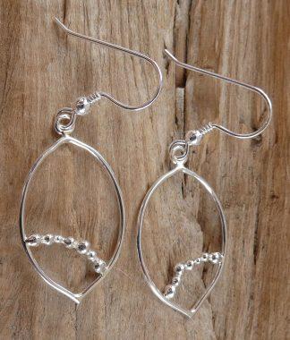 Boucles d'oreille en fil d'Argent 925 forme ovale avec pointe et perles d'argent