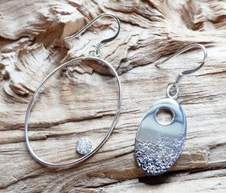 Boucles d'oreille Argent 925, un ovale avec un trou et un ovale en fil avec la pastille de l'autre