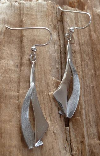 Boucles d'oreille Argent 925, deux formes enlacées